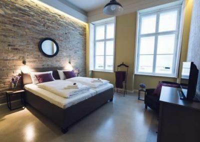Az ágymögötti falrész megvilágítása, stukkó mögöti világítás